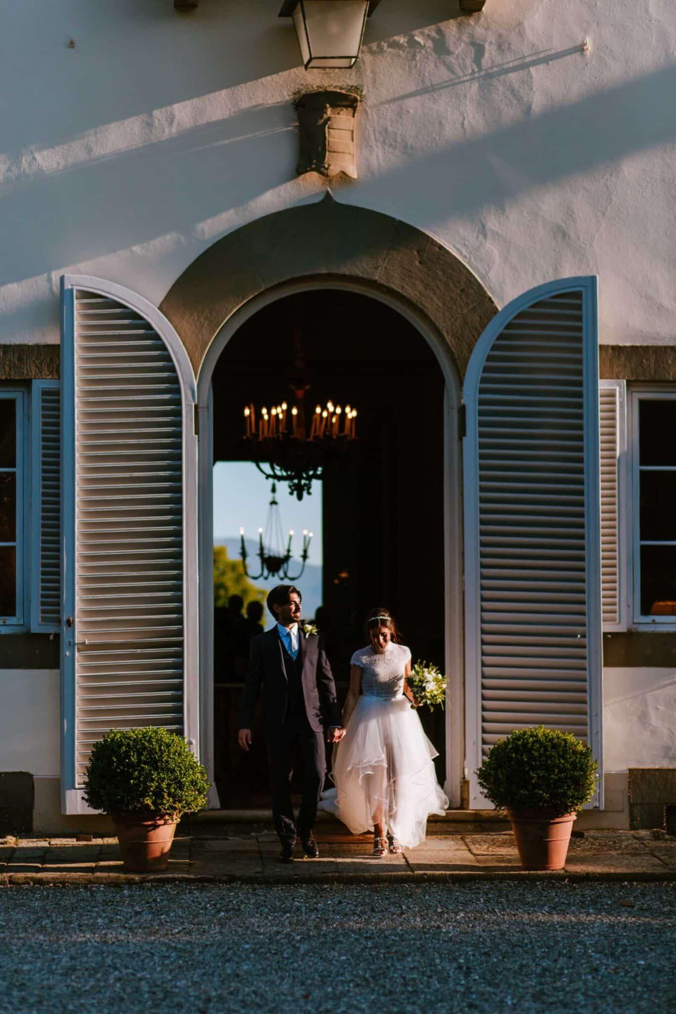 l'arrivo degli sposi a Villa Grabau