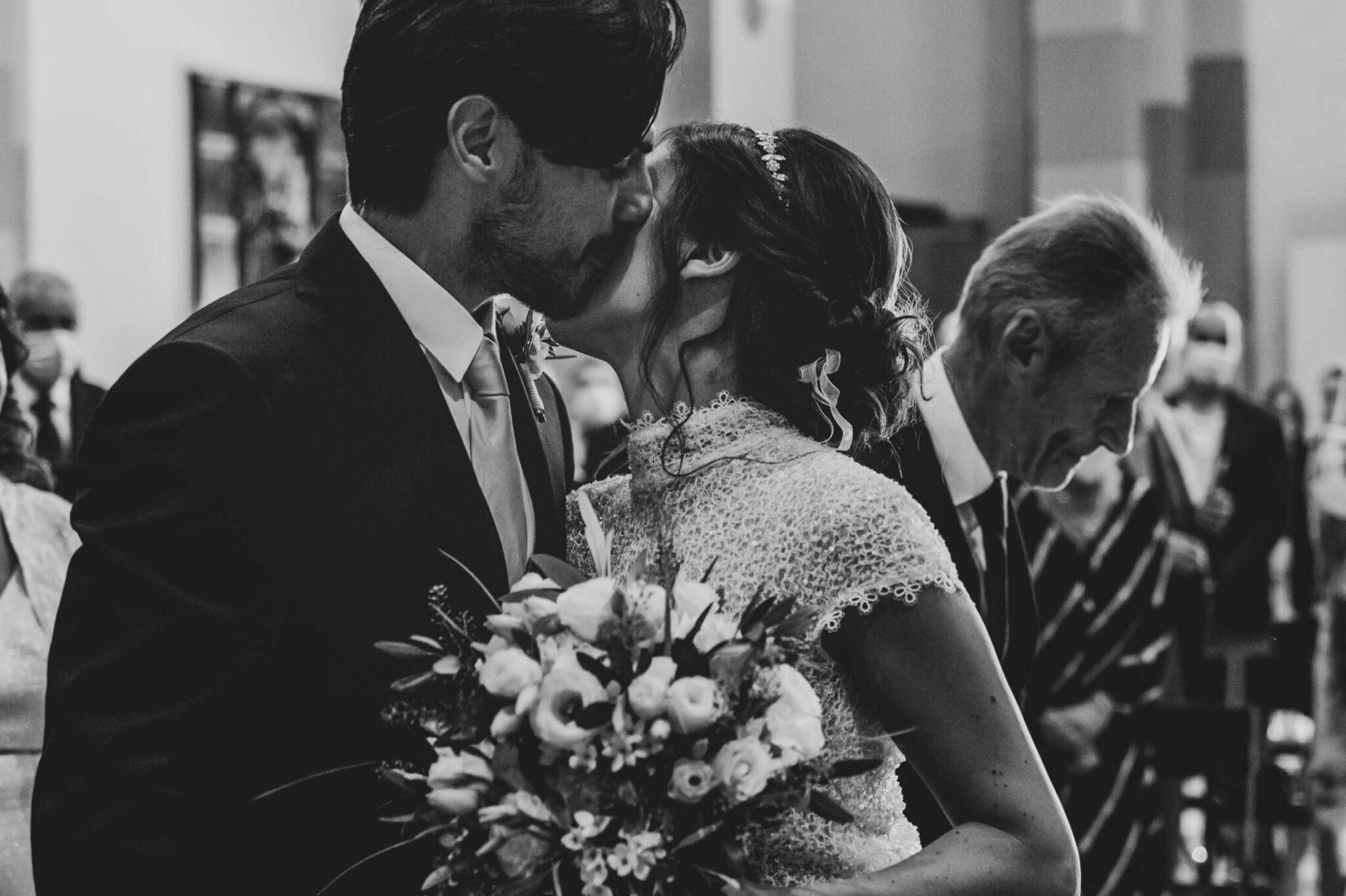 la sposa vede per la prima volta lo sposo ad un matrimonio ad Altopascio