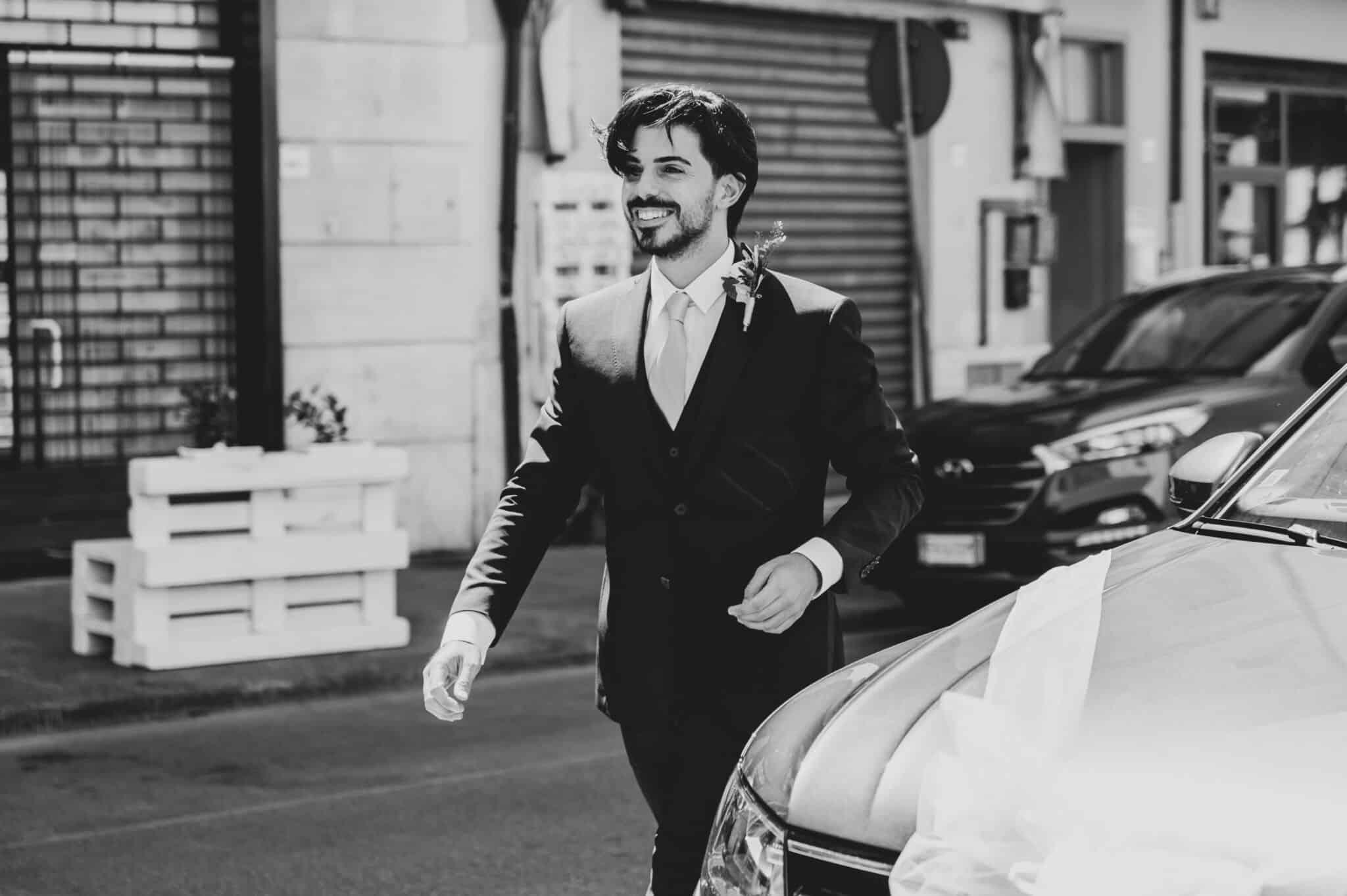 l'arrivo dello sposo al matrimonio ad Altopascio