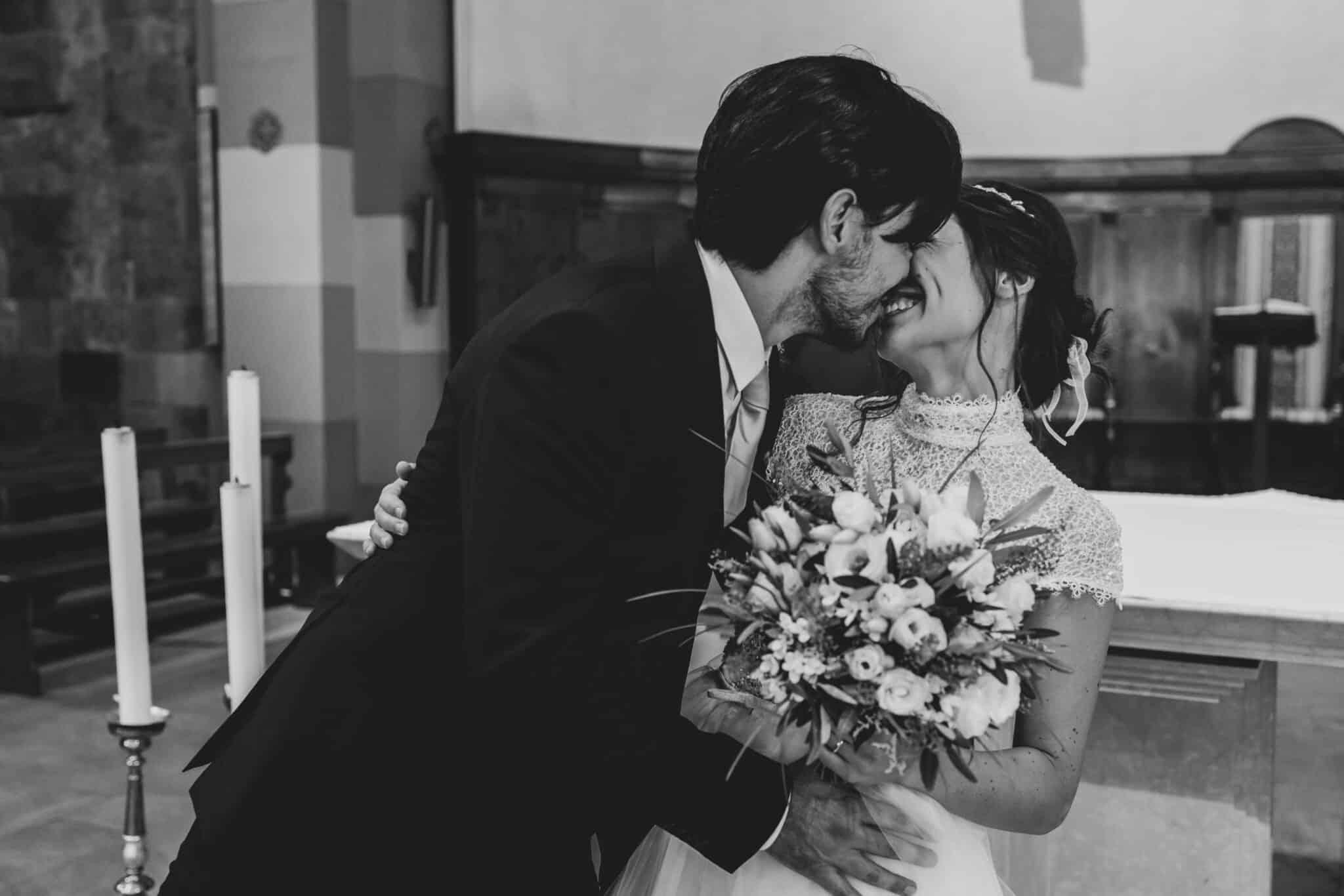 momenti di tenerezza ad un matrimonio ad Altopascio