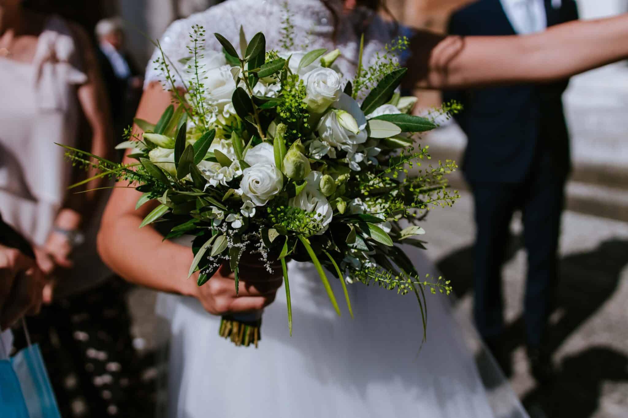 mazzolino di fiori ad un matrimonio ad Altopascio