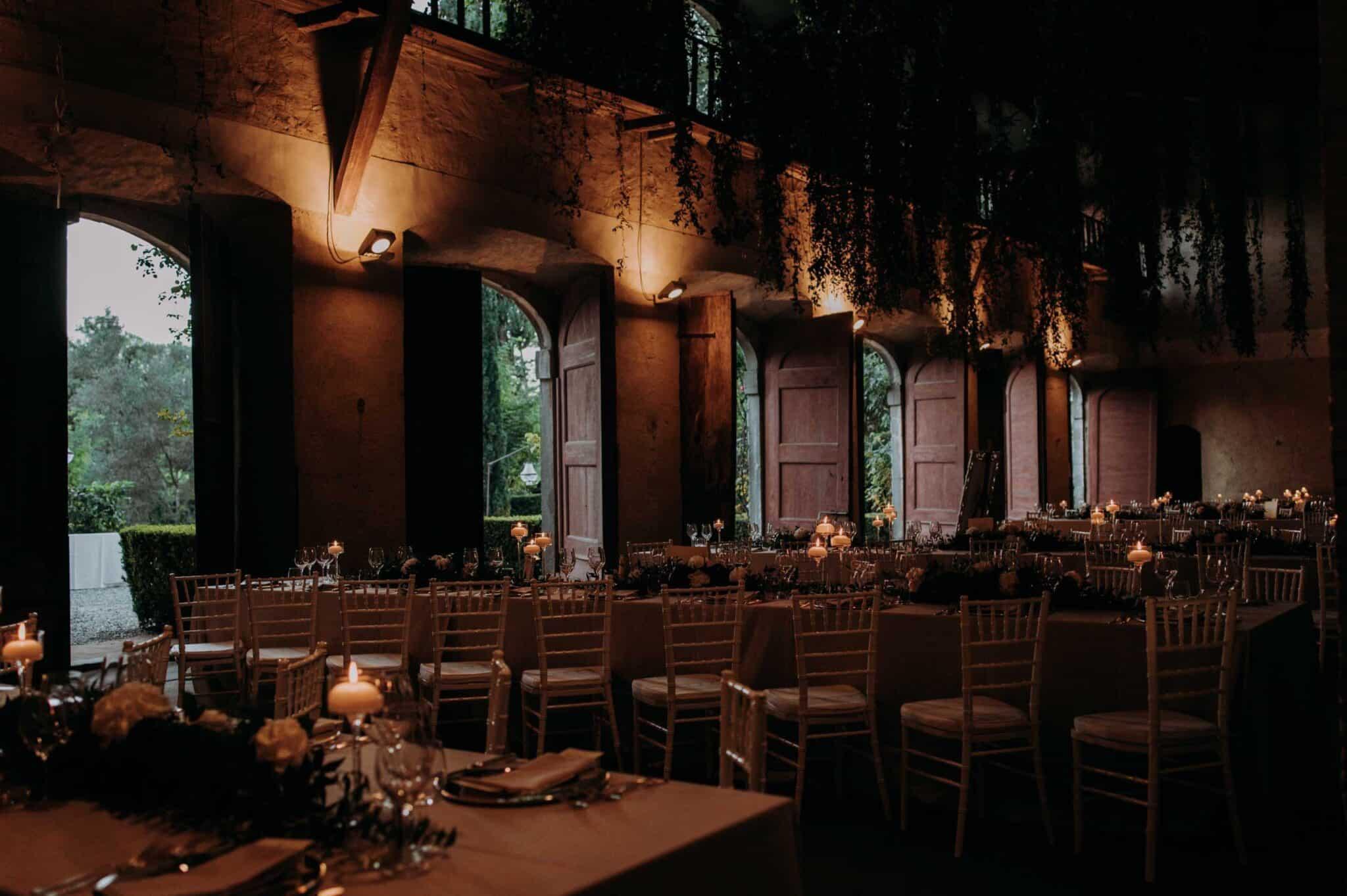 Wonderful table setting wedding in Villa Grabau