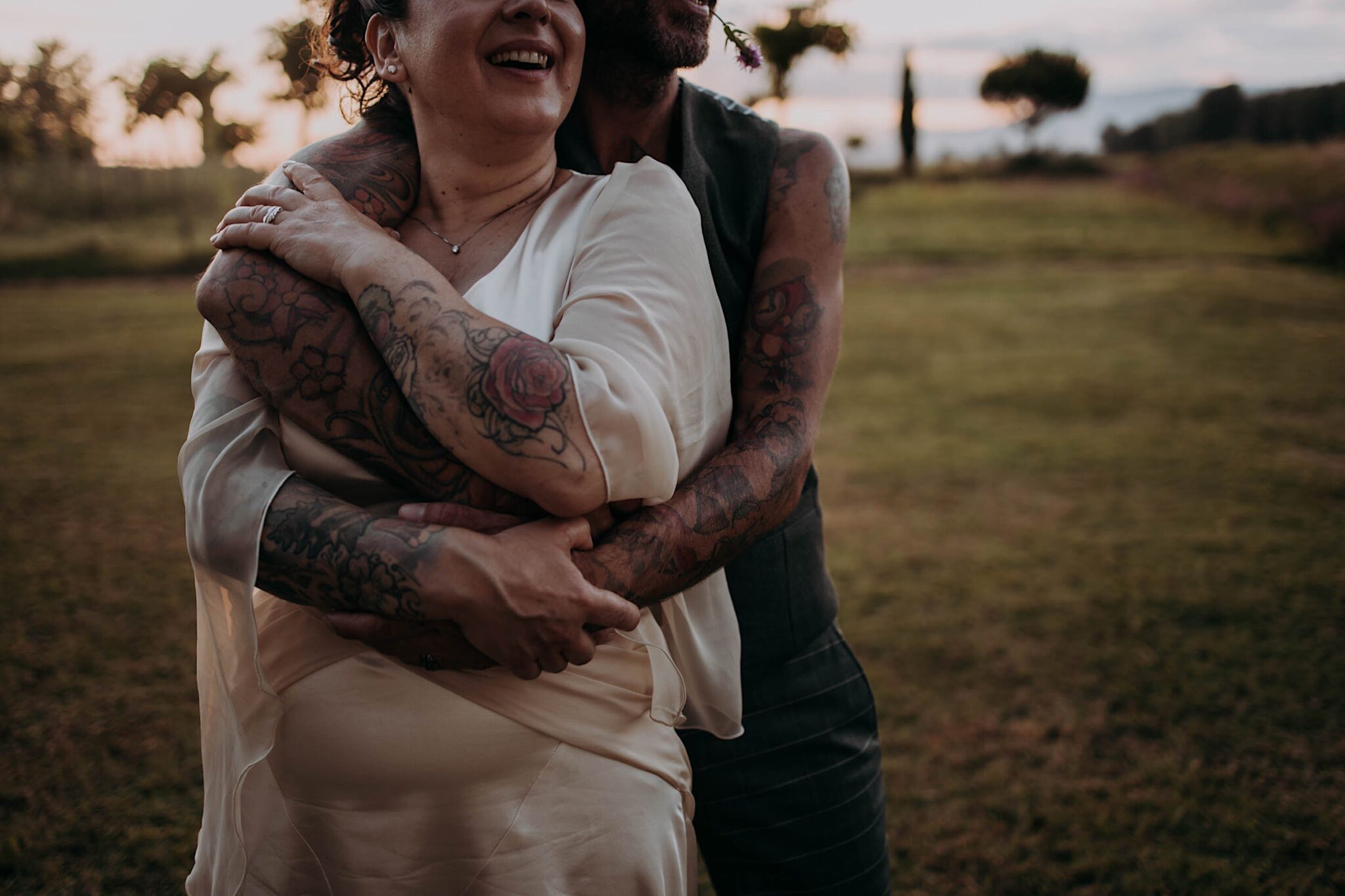 abbracci, matrimonio in Toscana