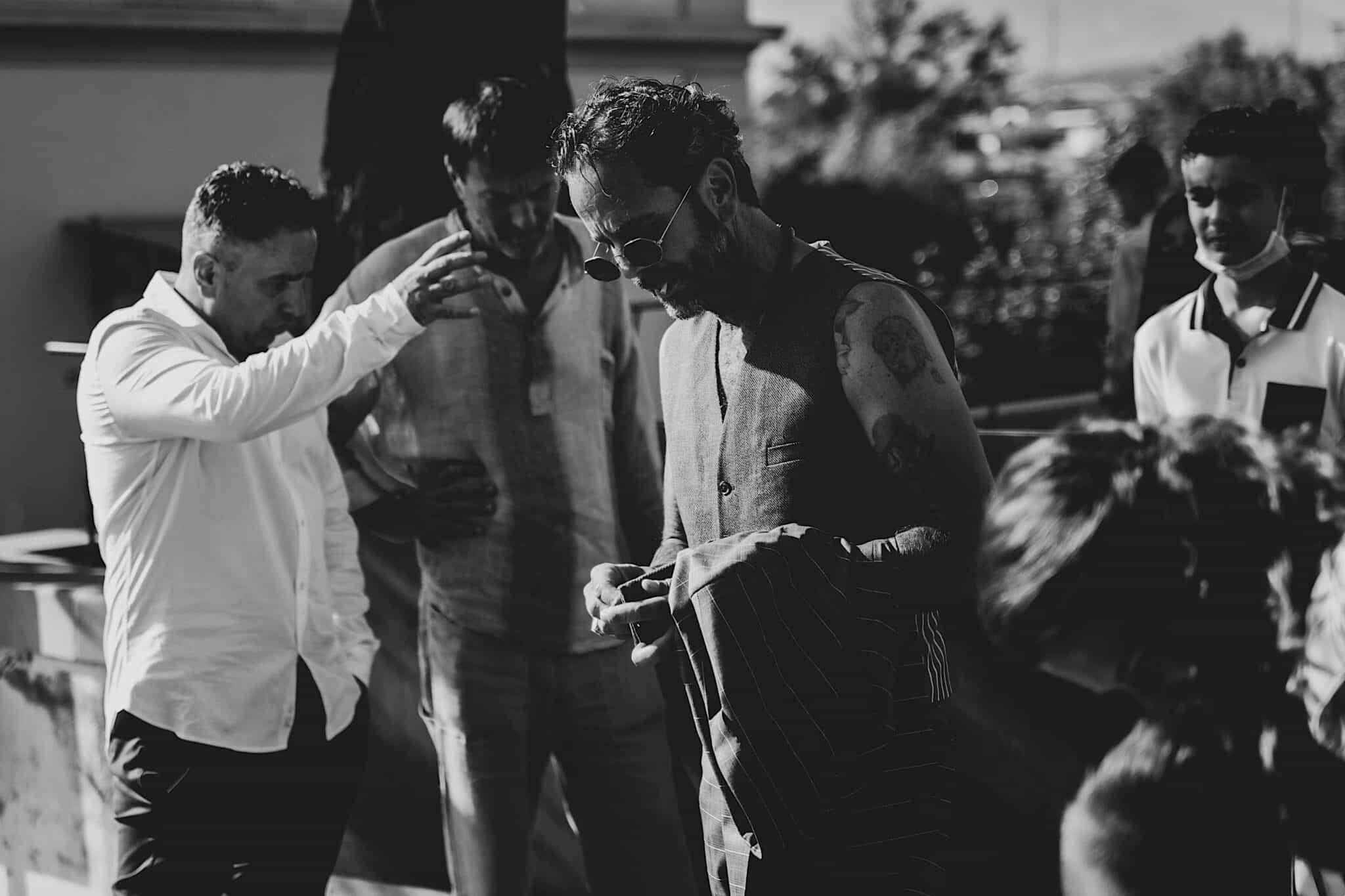 la tensione dello sposo