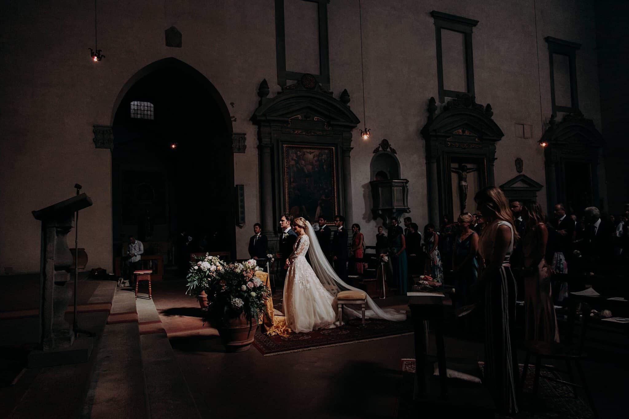 cerimonia nella chiesa di San Niccolò Sopr'Arno a Firenze